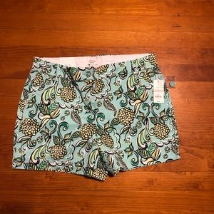 NWT Crown & Ivy shorts in a size 10